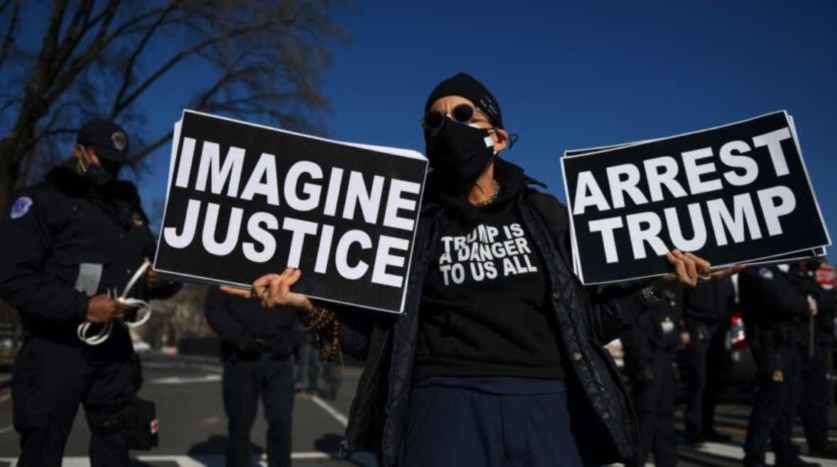 Arrestar a Donald Trump