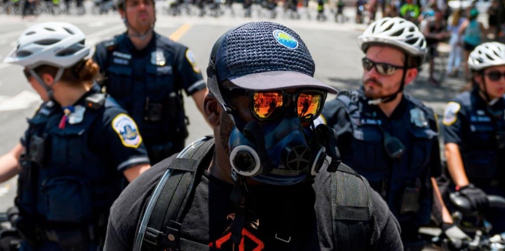 Antifa, terrorismo en Estados Unidos, Delitos federales