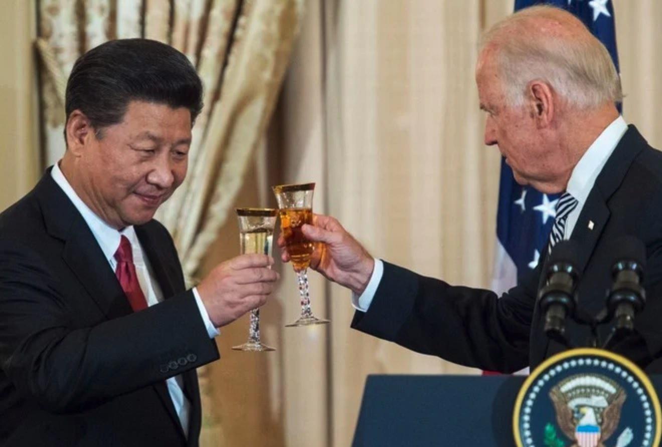 Joe Biden, Vacunación forzada contra el COVID, China, Xi Jinping