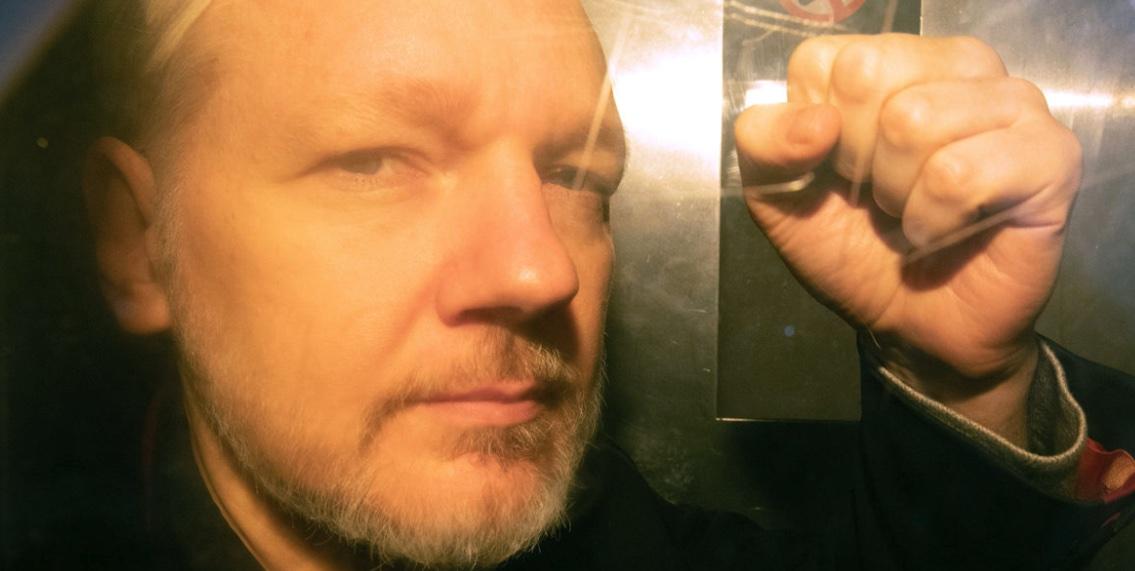 Julian Assange, Extradición