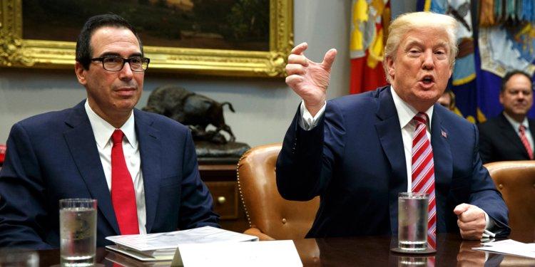 Donald Trump y Steve Mnuchin