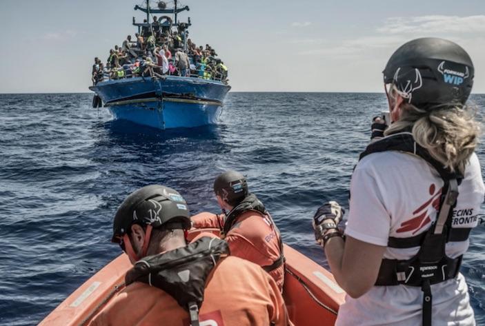 Italia: polémica por código de rescate de inmigrantes en el Mediterráneo