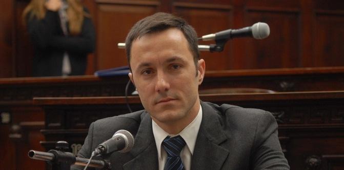 Luis Petri, UCR