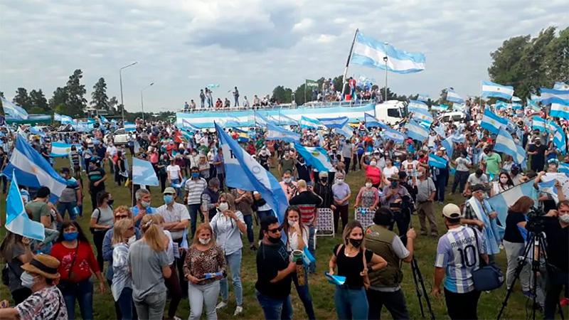 Banderazo Nacional del 9 de julio, Argentina, Avogadro