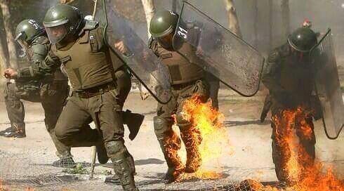 Anarquismo en Chile, Carabineros atacados