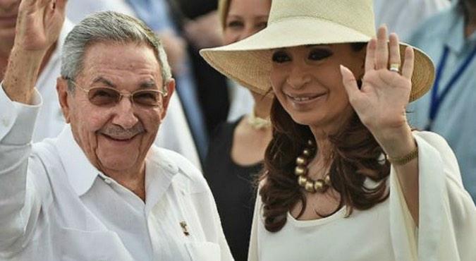 Cristina Kirchner y Raúl Castro, Genocidio, Dictadura cubana