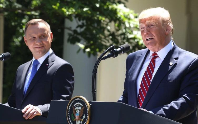 Donald Trump, Andrzej Duda, Polonia, Deep State