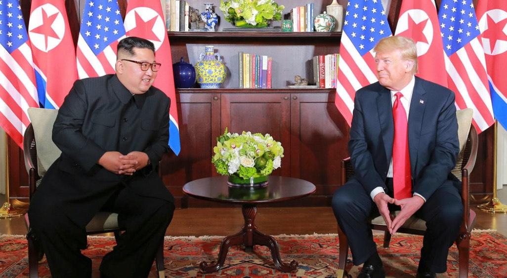 Trump, Kim, Cónclave