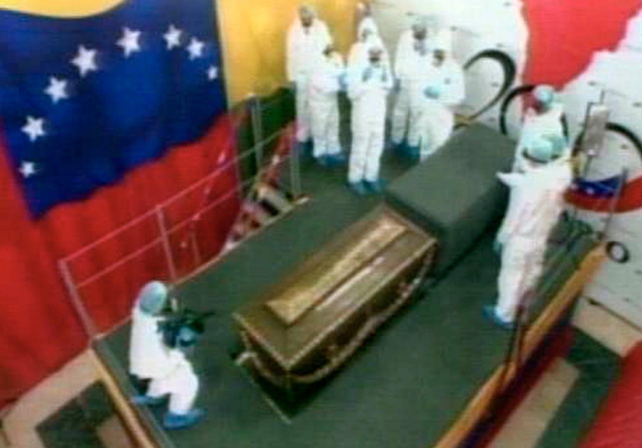 Exhumación de los restos de Simón Bolívar