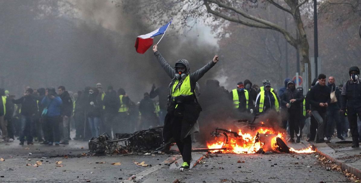 Crisis en el gobierno de Emmanuel Macron, Populismo, Chalecos Amarillos, Agenda Verde, Energía, Cambio Climático