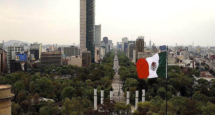 Asuntos Capitales, Isaac Katz, México DF