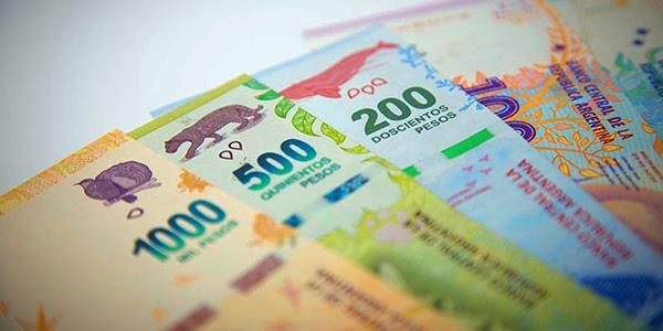 Pesos argentinos, Crisis argentina, Devaluación