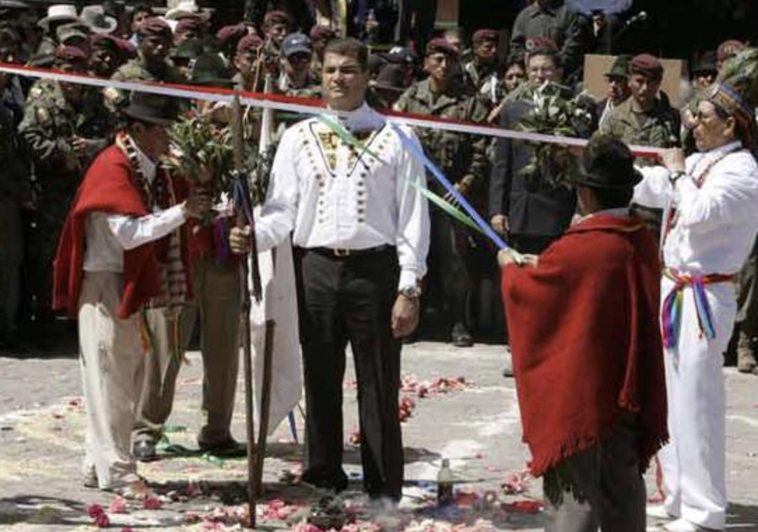 Rafael Correa, Ritos, Brujería y Poder