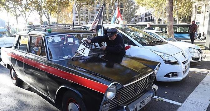 Taxis, España, estatismo