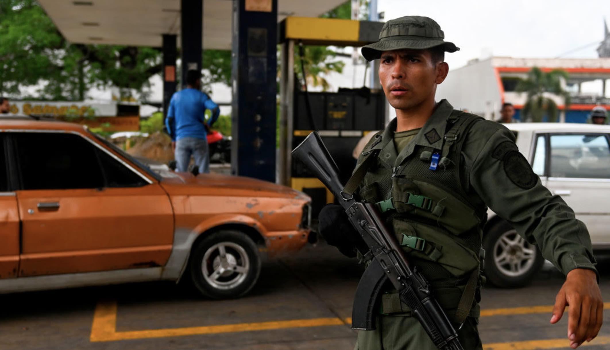 Caracas, gasolineras, Crisis de combustibles, Socialismo